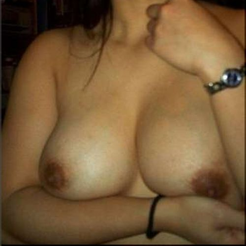 Bourgeoise cochonne de Niort pour une rencontre sexe