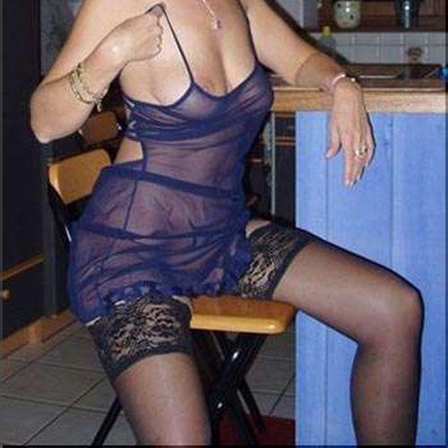 Je cherche un type musclé à Boulogne-Billancourt pour un plan uro